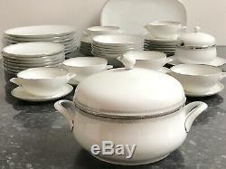 40 Piece Dinner Set for 6 Hutschenreuther Olivia Plates/Bowls/Vegetable