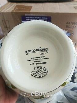 Temptations 16 Piece Dinnerware Set Gingham Gardens Black New